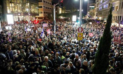 Netanjahu miniszterelnök és a kormány korrupciója elleni tüntetés