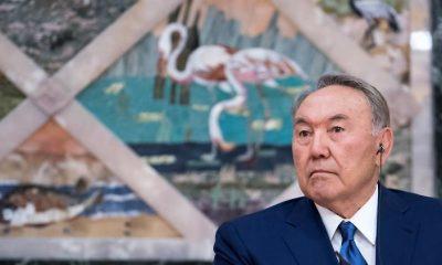 Váratlanul lemondott a kazah elnök