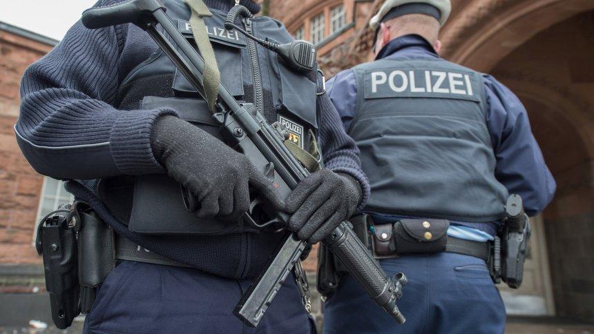 A szövetségi rendőrség megerősíti a határellenőrzést